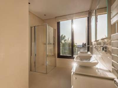 Image 8   5 bedroom villa for sale with 1,800m2 of land, Los Flamingos Golf, Benahavis, Malaga Costa del Sol, Andalucia 209964