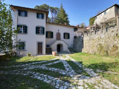 Image 2 | 7 bedroom villa for sale with 30,000m2 of land, Lucca, Tuscany 215293