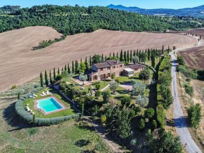 Image 1   5 bedroom farmhouse for sale with 30,000m2 of land, Chiusi, Siena, Chianti 216712