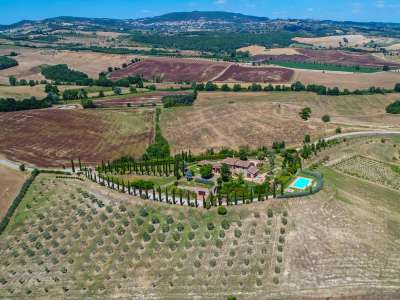 Image 20   5 bedroom farmhouse for sale with 30,000m2 of land, Chiusi, Siena, Chianti 216712