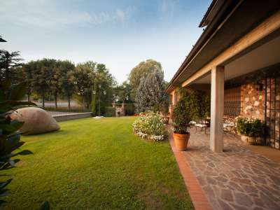 Image 12   4 bedroom villa for sale with 14,000m2 of land, Lake Garda, Mantua, Lombardy 216874