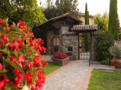 Image 14   4 bedroom villa for sale with 14,000m2 of land, Lake Garda, Mantua, Lombardy 216874