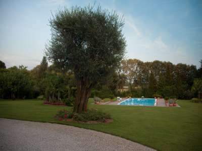 Image 15   4 bedroom villa for sale with 14,000m2 of land, Lake Garda, Mantua, Lombardy 216874