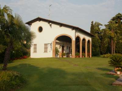 Image 19   4 bedroom villa for sale with 14,000m2 of land, Lake Garda, Mantua, Lombardy 216874
