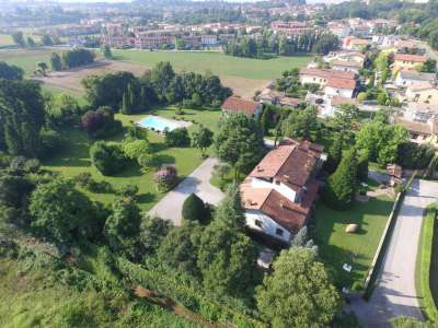Image 2   4 bedroom villa for sale with 14,000m2 of land, Lake Garda, Mantua, Lombardy 216874