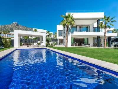 Image 2 | 5 bedroom villa for sale with 11,887m2 of land, Puente Romano, Marbella, Malaga Costa del Sol, Marbella Golden Mile 216941