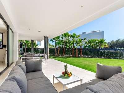 Image 3 | 5 bedroom villa for sale with 11,887m2 of land, Puente Romano, Marbella, Malaga Costa del Sol, Marbella Golden Mile 216941