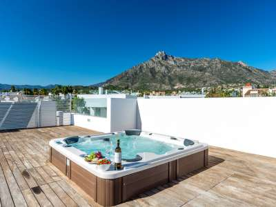 Image 30 | 5 bedroom villa for sale with 11,887m2 of land, Puente Romano, Marbella, Malaga Costa del Sol, Marbella Golden Mile 216941