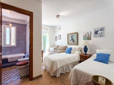 Image 11 | 3 bedroom villa for sale with 981m2 of land, Estepona, Malaga Costa del Sol, Andalucia 217448