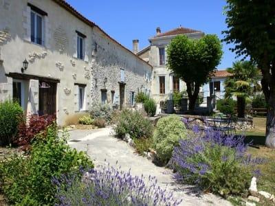12 bedroom house for sale, Mirambeau, Charente-Maritime, Poitou-Charentes
