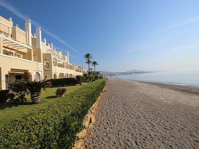 3 bedroom apartment for sale, Playa Del Moral, Estepona, Malaga Costa del Sol, Andalucia