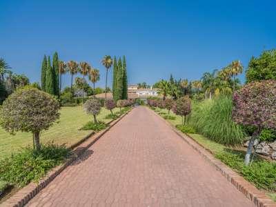 8 bedroom villa for sale, San Pedro de Alcantara, Malaga Costa del Sol, Andalucia