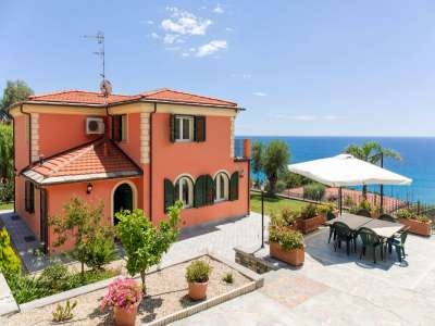 4 bedroom villa for sale, Imperia, Liguria
