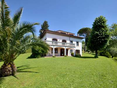 4 bedroom villa for sale, Lucca, Tuscany