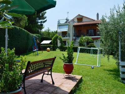 Beautiful villa for Sale which sleeps 12 close to the sea in Agiokampos, Greece