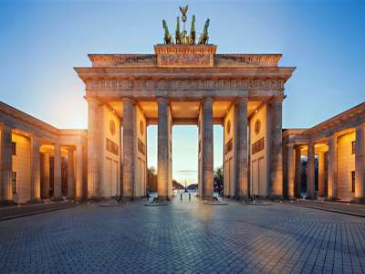 Stunning Hotel in Berlin with in excess of 300 guest suites, spa gym etc...