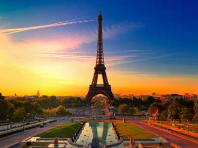Superior 4 Star Hotel in Paris for Sale with in excess of 45 guest rooms, SPA, restaurant etc.