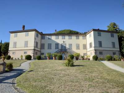 11 bedroom villa for sale, Lucca, Tuscany