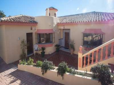 4 bedroom villa for sale, Don Pedro, Estepona, Malaga Costa del Sol, Andalucia