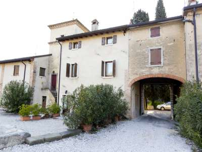 4 bedroom farmhouse for sale, Lazise, Verona, Lake Garda