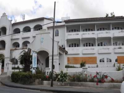 52 bedroom hotel for sale, Saint James