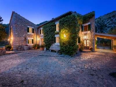 6 bedroom farmhouse for sale, Selva, Central Mallorca, Mallorca