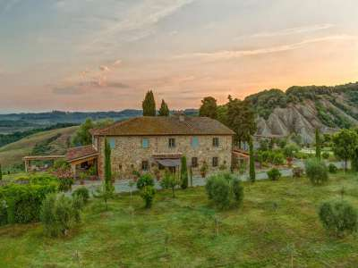 8 bedroom farmhouse for sale, Volterra, Pisa, Tuscany