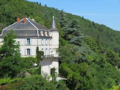 7 bedroom French chateau for sale, Luzech, Lot, Midi-Pyrenees