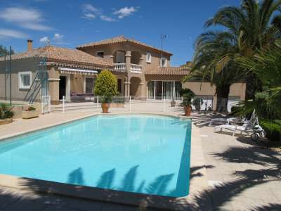 4 bedroom house for sale, Roujan, Herault, Languedoc-Roussillon