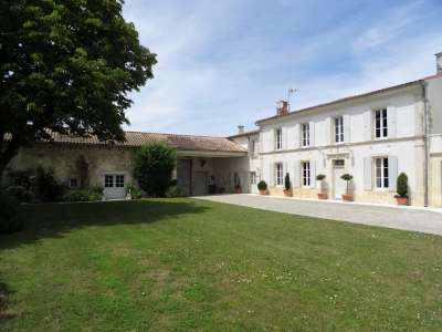 10 bedroom manor house for sale, Surgeres, Charente-Maritime, Poitou-Charentes