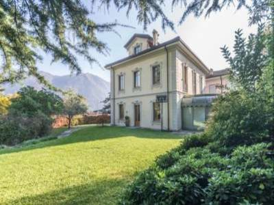 Delightful Villa with Spectacular Views over Lake Como for Sale