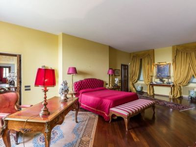 Image 11 | 5 bedroom villa for sale with 1,110,000m2 of land, Lucca, Tuscany 185140