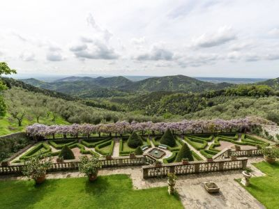 Image 5 | 5 bedroom villa for sale with 1,110,000m2 of land, Lucca, Tuscany 185140