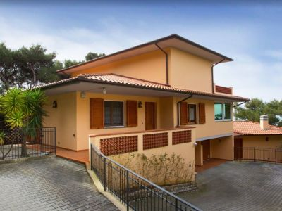 Image 1 | 5 bedroom villa for sale with 1,054m2 of land, Castiglioncello, Livorno, Tuscany 194061