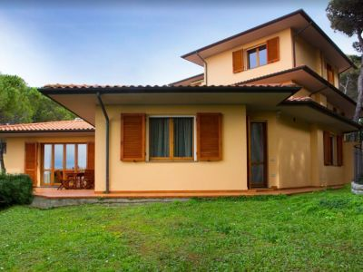 Image 2 | 5 bedroom villa for sale with 1,054m2 of land, Castiglioncello, Livorno, Tuscany 194061