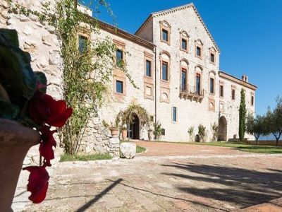 Image 7 | Magnificent renovated former abbey with various apartments for sale in Rieti  194139