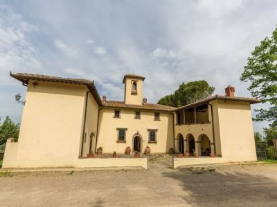 7 bedroom hotel for sale, Chianti, Florence