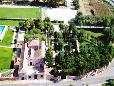 Beautiful restored hunting lodge for sale in Sintra, Portugal with over 2 hectares of land