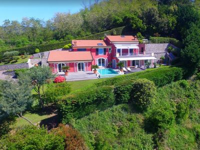 Spectacular Villa for sale in Liguria made into 2 Apartments with Pool