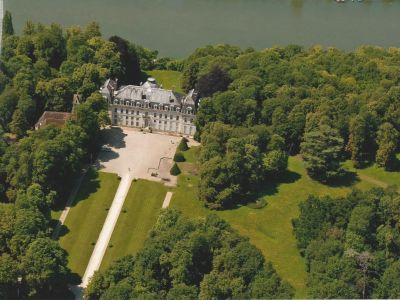 Image 2 | Magnificent 32 bedroom chateau for sale, close to Paris with views of the Seine. 203213