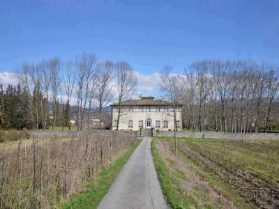 10 bedroom villa for sale, Lucca, Tuscany