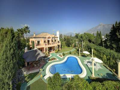 Five Bedroom Mansion for Sale close to Puerto Banus with Staff Quarters