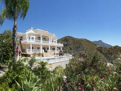 4 bedroom villa for sale, La Quinta Golf, Benahavis, Malaga Costa del Sol, Andalucia