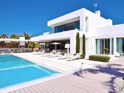 5 bedroom villa for sale, Bahia de Marbella, Marbella, Malaga Costa del Sol, Andalucia