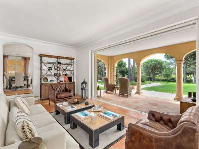Image 4 | 6 bedroom villa for sale with 13,000m2 of land, Saint Tropez, St Tropez, French Riviera 210663