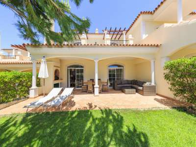 3 bedroom villa for sale with 199m2 of land, Quinta do Lago, Central Algarve, Algarve Golden Triangle