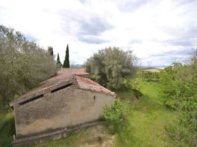 Image 1 | 3 bedroom farmhouse for sale with 0.4 hectares of land, Castiglione del Lago, Perugia, Umbria 216178
