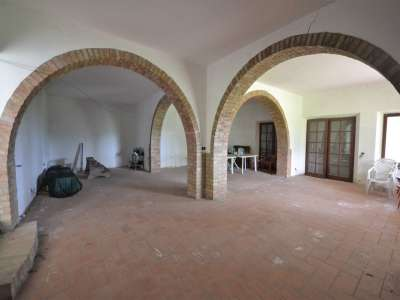 Image 2 | 3 bedroom farmhouse for sale with 0.4 hectares of land, Castiglione del Lago, Perugia, Umbria 216178