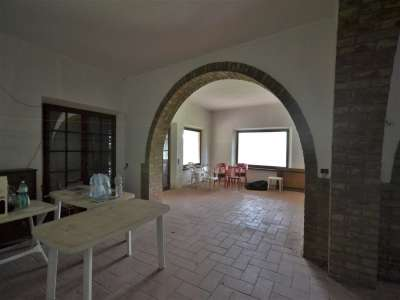 Image 3 | 3 bedroom farmhouse for sale with 0.4 hectares of land, Castiglione del Lago, Perugia, Umbria 216178