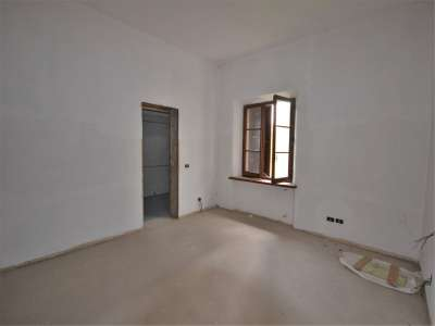 Image 5 | 3 bedroom farmhouse for sale with 0.4 hectares of land, Castiglione del Lago, Perugia, Umbria 216178